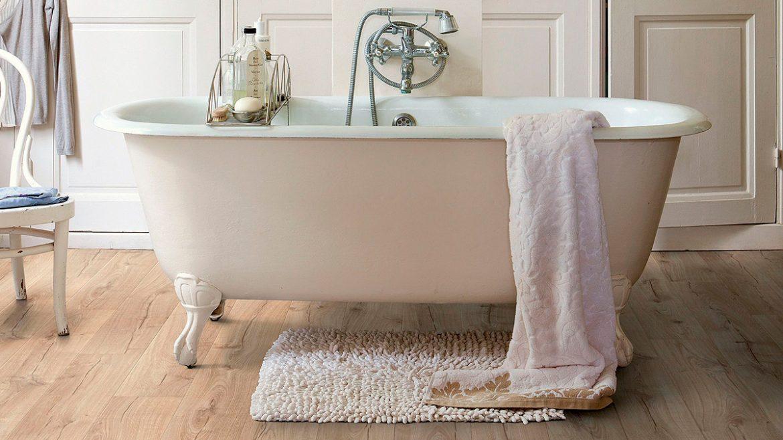 suelos laminados en el baño